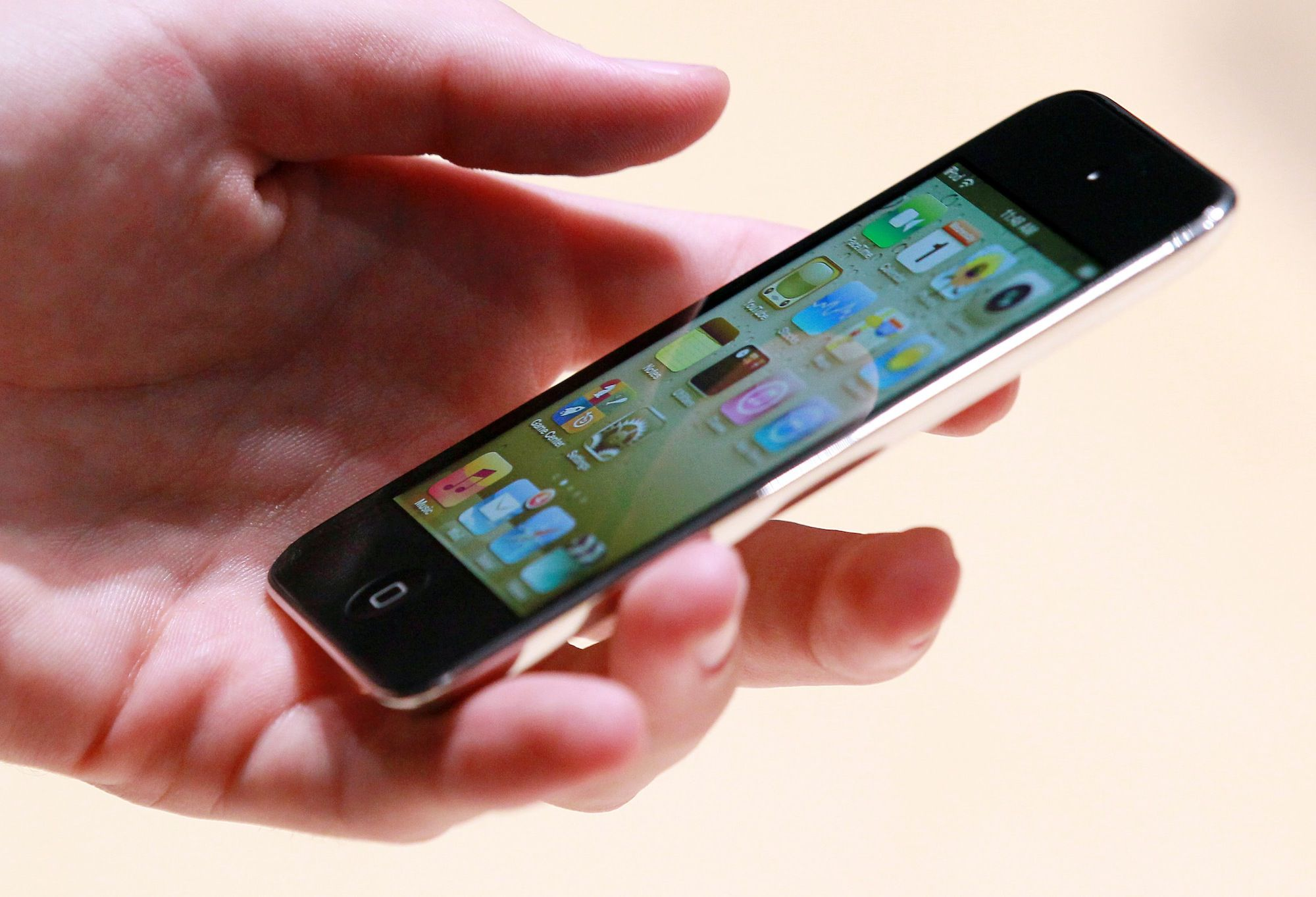 Free VoIP Calls By Whistle Cellphone For IPhone And IPod Contact